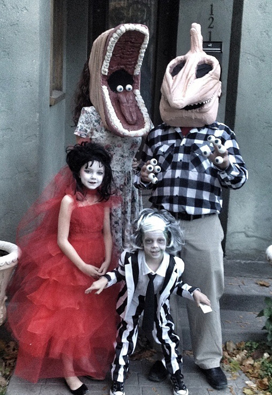 Beetlejuice Family U2013 2012 Halloween Costume Contest