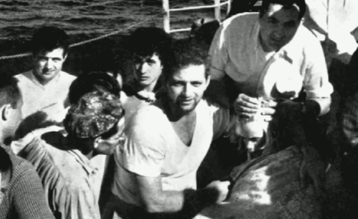 Macintosh HD:Users:brittanyloeffler:Downloads:Upwork:Lost at Sea:11-fox.png