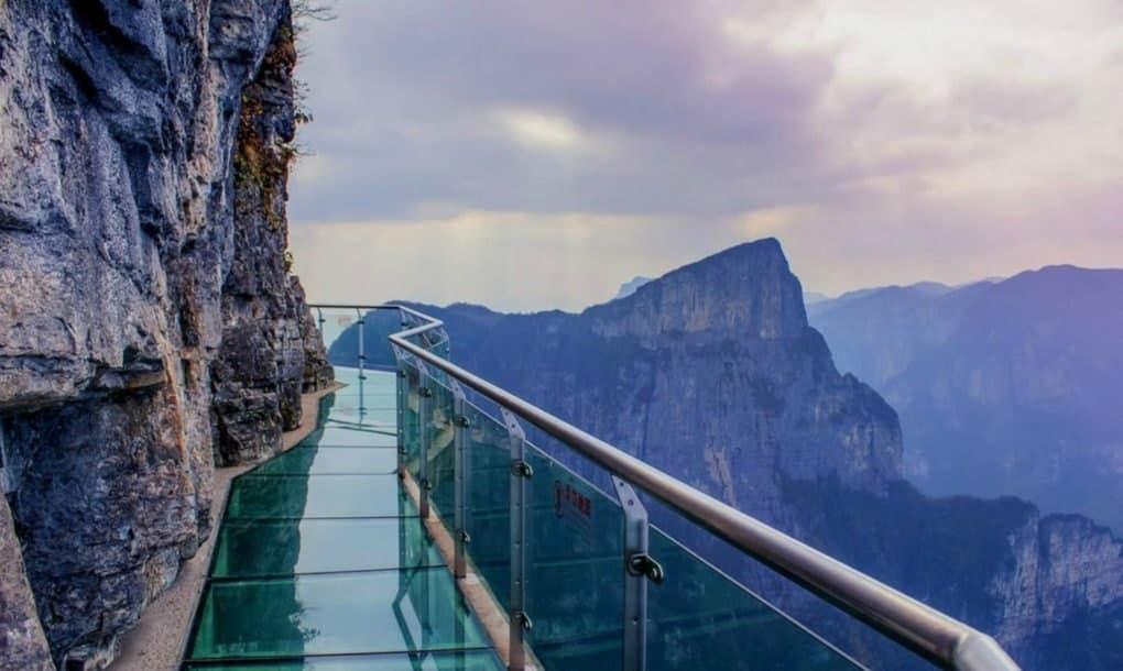 Macintosh HD:Users:brittanyloeffler:Downloads:Upwork:Glass Bridge:terrifying-glass-walkway-in-China-cracks-when-you-walk-on-it-1-1020x610.jpg