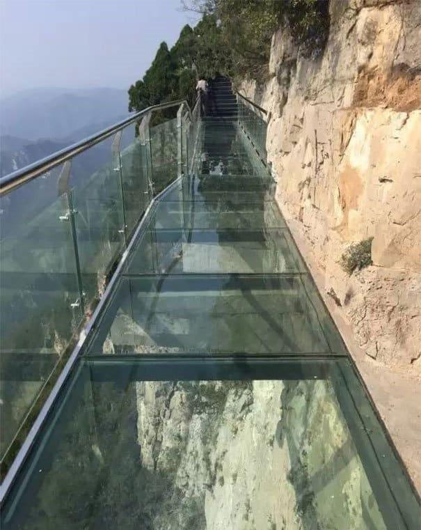 Macintosh HD:Users:brittanyloeffler:Downloads:Upwork:Glass Bridge:glass-bottomed-walkway-cracked-yuntai-mountain-henan-china-5.jpg