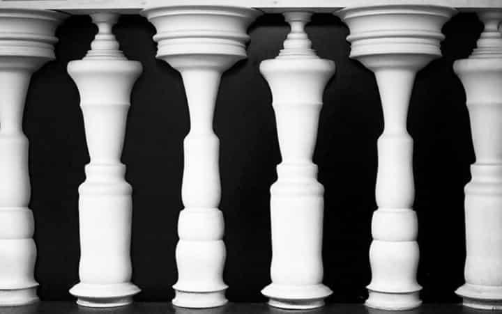 Macintosh HD:Users:brittanyloeffler:Downloads:Upwork:Optical Illusions 2:chess-illusion.jpg