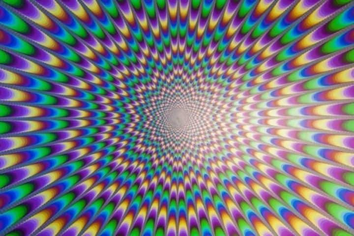 Macintosh HD:Users:brittanyloeffler:Downloads:Upwork:Optical Illusions 2:Mind-Blowing-Illusions-5.jpg