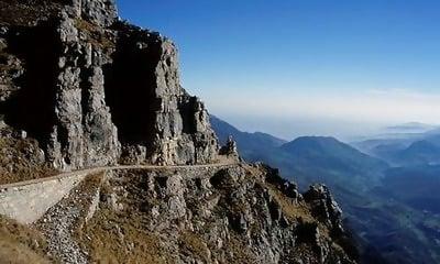 Macintosh HD:Users:brittanyloeffler:Downloads:Upwork:Dangerous Roads:6-Taroko+Gorge+Road.jpg