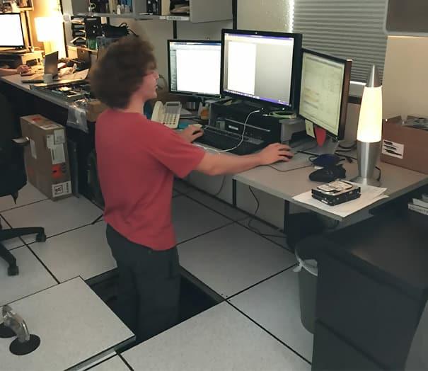 Macintosh HD:Users:brittanyloeffler:Downloads:Upwork:Office Pranks:officeimg032.jpg