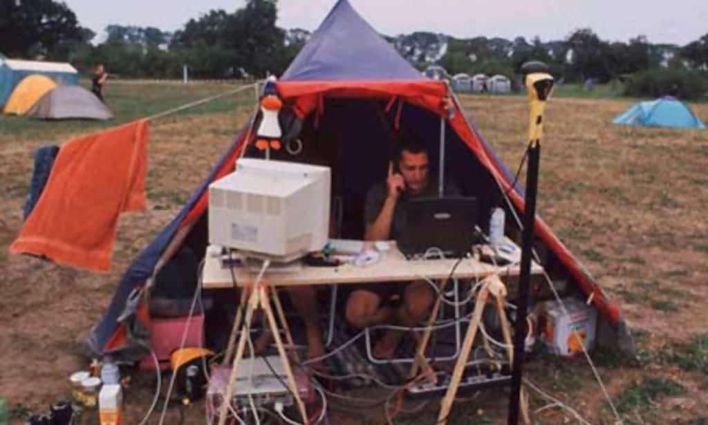 Macintosh HD:private:var:folders:tw:1wvz6s3j6r74_264hbwl_j140000gn:T:TemporaryItems:camp11.jpg