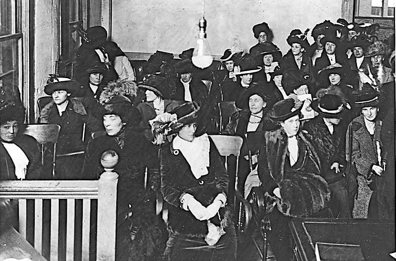 Macintosh HD:Users:brittanyloeffler:Downloads:Upwork:Women's Rights:800px-Crowd_of_women_register_for_jury_duty_Portland_Oregon_1912.jpg