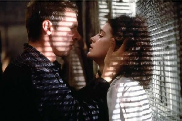 Macintosh HD:Users:brittanyloeffler:Downloads:Upwork:Kissing:refused-to-kiss-blade-runner.jpg
