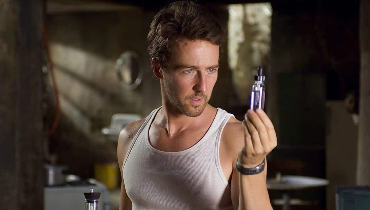 Edward Norton stares at vial in The Incredible Hulk