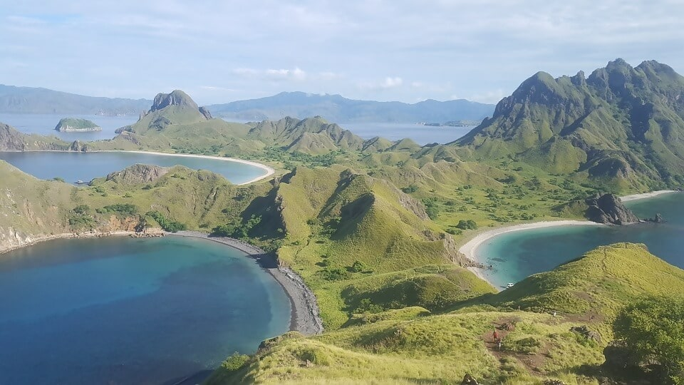 Macintosh HD:Users:brittanyloeffler:Downloads:Upwork:Beautiful Beaches:23.-Padar-Island-Indonesia.jpg