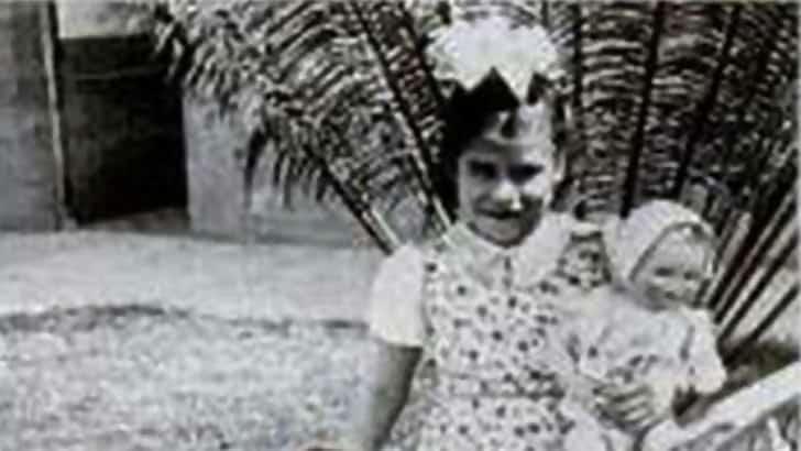 Macintosh HD:private:var:folders:yr:tzhqft810jdgxpl6x_j5k3sh0000gp:T:TemporaryItems:She-Was-Just-An-Innocent-Little-Girl-1.jpg